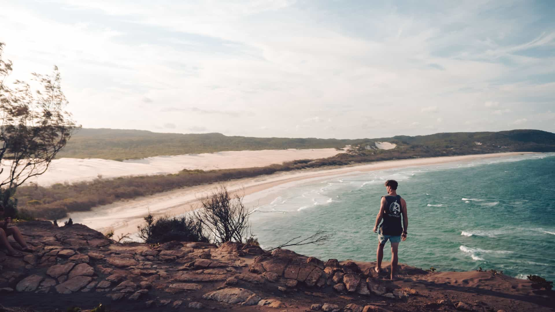 Fraser-Island-Look-Out-Solo-Male-Traveller-Welcome-to-Travel