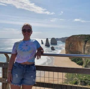Traveller at the 12 Apostles