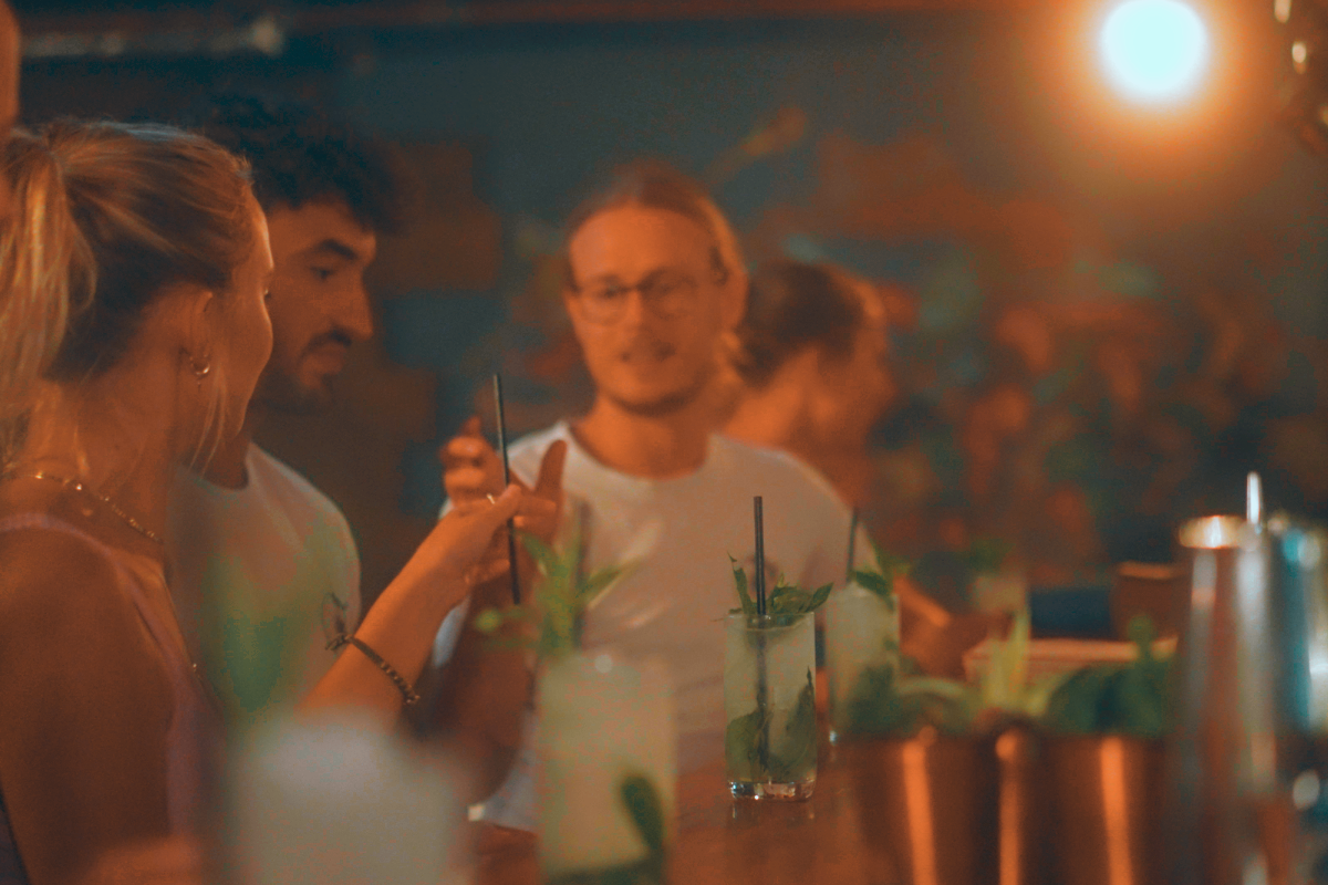 Group of people at a cocktail-making experience